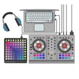 Illustratie van de de lijnkunst van DJ de vastgestelde vector vlakke Launchpad, mixer, notitieboekje, hoofdtelefoons Stock Foto