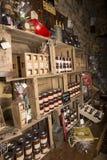 Illustratief Redactiebeeld Delicatessenwinkel in Normandië, Frankrijk Royalty-vrije Stock Foto