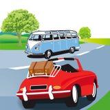 Motorisk husvagn och sportbil Arkivfoto