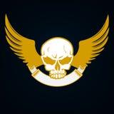 Illustration av en skalle med emblemet och vingar - dekorativ beståndsdel Royaltyfri Bild