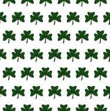 Illustration av en St Patrick Day växt av släkten Trifolium låter vara modellen seamless royaltyfri illustrationer