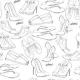 Illustration av hand dragit sömlöst modellkvinnaskodon Tillfällig, klassisk och sportstil, deckare för flicka Skor Arkivfoton