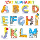 Illustration avec l'alphabet latin, partie, d'A à M, chat drôle de bande dessinée sous forme de lettres illustration stock