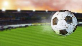 illustration 3d av flygfotboll som lämnar en slinga av rök Roterande smutsig fotbollboll, selerctive fokus Arkivbilder