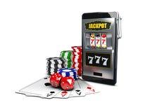 Illustration 3d eines Kasinothemas mit der Farbe, die Chip-, Spielautomat- und Pokerkarten spielt Lizenzfreie Stockfotografie