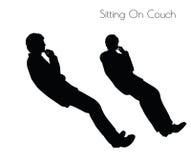 Illustration d'ENV 10 de l'homme dans la pose se reposante sur la pose de divan sur le fond blanc Photos stock