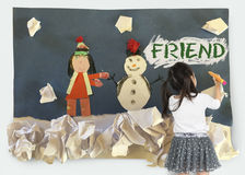 Illustration d'hiver de bonhomme de neige de petite fille Photos libres de droits