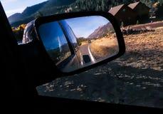 Illustration d'un miroir de voiture latérale Photos libres de droits