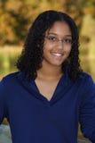 Illustration d'une adolescente de sourire Image libre de droits