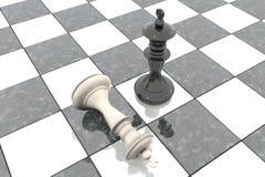 Illustration 3d: Zwei Schachzahlen auf dem Spielfeld Schwarzer König ist ein Sieger und Notlügen eines Verlierers werfen sich an  Lizenzfreie Stockbilder