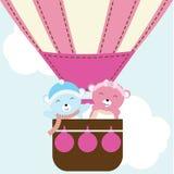 Illustration de fête de naissance avec l'ours mignon de bébé dans le ballon à air chaud approprié à l'invitation de fête de naiss Photos libres de droits