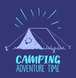 Illustration de temps d'aventure de camping avec la tente et le sourire là-dessus Illustration colorée Photos libres de droits