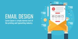 Illustration de vecteur de concept de construction d'email Homme d'affaires jugeant un email conçu pour le marketing Image libre de droits