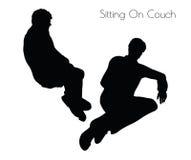 Illustration de vecteur d'ENV 10 de l'homme dans la pose se reposante sur la pose de divan sur le fond blanc Image libre de droits