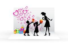 Kinder, die der Mutter Geschenk geben Stockfotografie
