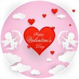 Illustration der Liebe und des Valentinstags, Origami machte die Amoren, die in Wolken mit Mitteilung fliegen Papierkunst- und Ha lizenzfreies stockfoto
