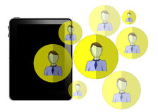 Illustration der Tablette mit den Social Media-Köpfen lokalisiert Lizenzfreie Stockfotografie