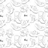 Illustration des Hand gezeichneten nahtlosen Musters der Skizze der Schuhe Turnschuhe, Stiefel, hoher Schuh, Schneestiefel für zu Stockfotos