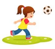 Illustration eines kleinen Mädchens, das Fußball spielt Lizenzfreie Stockfotos