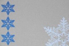 Illustration för vinter- och julsnöflingabakgrund Fotografering för Bildbyråer