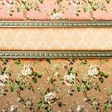 Illustration grunge florale gentille sur le vieux parchemin Photo libre de droits