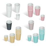 Illustration isométrique du vecteur 3d plat Ensemble de tasse de papier Cuvettes de café de papier sur un fond blanc Tasse de liv Photos libres de droits