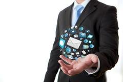 Illustration moderne de technologie des communications avec le téléphone portable et le comprimé dans des mains des hommes d'affai Photo stock