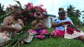 Illustration polynésienne de femelles de Tahitian de l'île du Pacifique banque de vidéos