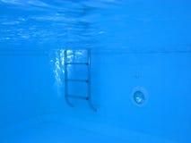 Illustration sous-marine d'une piscine Photos stock