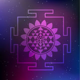 Illustration Vektor Sri Yantra mit Lotus Flower auf einem kosmischen Hintergrund Lizenzfreies Stockfoto