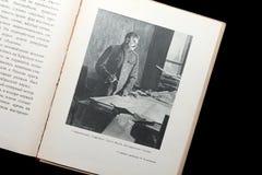 Illustration vom sowjetischen Buch für Kinder mit Bildern von Lenin und von Stalin Lizenzfreie Stockfotografie