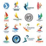 Illustration windserfing surfante de vecteur d'insigne de vent de vague d'été de mer de conseil de logo de club de sport aquatiqu illustration stock