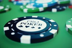 illustrationen som 3D spelar chiper, kort och pengar för kasino spelar på den gröna tabellen Verkligt eller online-kasinobegrepp Fotografering för Bildbyråer