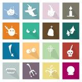Illustrations-Satz von 16 glücklichen flachen Ikonen Halloweens Stockfoto