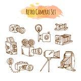 Illustrations tirées par la main de rétros appareils-photo de photo Conception de caméra vidéo de vintage de vecteur Photographie stock libre de droits