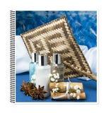 Illustrationsbuch von Produkten für Körperpflege stockbilder