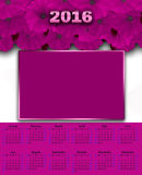 Illustrationskalender für weißes Mit Blumenrosa 2016 Lizenzfreie Stockbilder