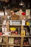 Illustrativ redaktörs- bild Matvaruaffär shoppar i Normandie, Frankrike Arkivbild