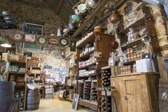 Illustrativ redaktörs- bild Matvaruaffär shoppar i Normandie, Frankrike Arkivfoto