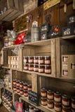 Illustrativ redaktörs- bild Matvaruaffär shoppar i Normandie, Frankrike Fotografering för Bildbyråer