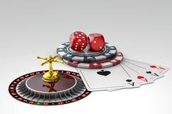 illustrazione 3d dei dadi, delle carte da gioco del poker e dei chip, su fondo grigio Fotografia Stock Libera da Diritti