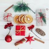 Illustrazione dei contenitori di regalo di Natale Immagini Stock Libere da Diritti