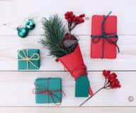 Illustrazione dei contenitori di regalo di Natale Immagine Stock