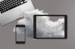 Illustrazione dei web service di calcolo della nuvola con lo smartphone Immagine Stock