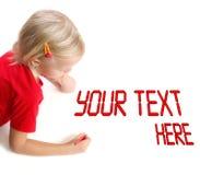 Illustrazione del bambino sui tabelloni per le affissioni bianchi Fotografia Stock