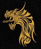 Illustrazione del drago del tatuaggio dell'oro Fotografie Stock