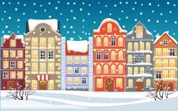 Illustrazione della città di Natale Città nevosa di natale vecchia Costruzioni del fumetto Priorità bassa di natale Via della cit illustrazione vettoriale
