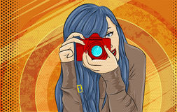Illustrazione di Pop art della ragazza del libro di fumetti Fotografo o manifesto d'annata di pubblicità di Videographer Donna di Fotografia Stock Libera da Diritti