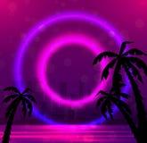 Illustrazione di sera di una spiaggia della città con le palme ed i cerchi al neon Fotografia Stock Libera da Diritti