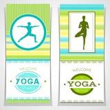 Illustrazione di yoga di vettore Manifesti di yoga con struttura dell'acquerello e la siluetta degli Yogi Progettazione di identi Immagini Stock Libere da Diritti